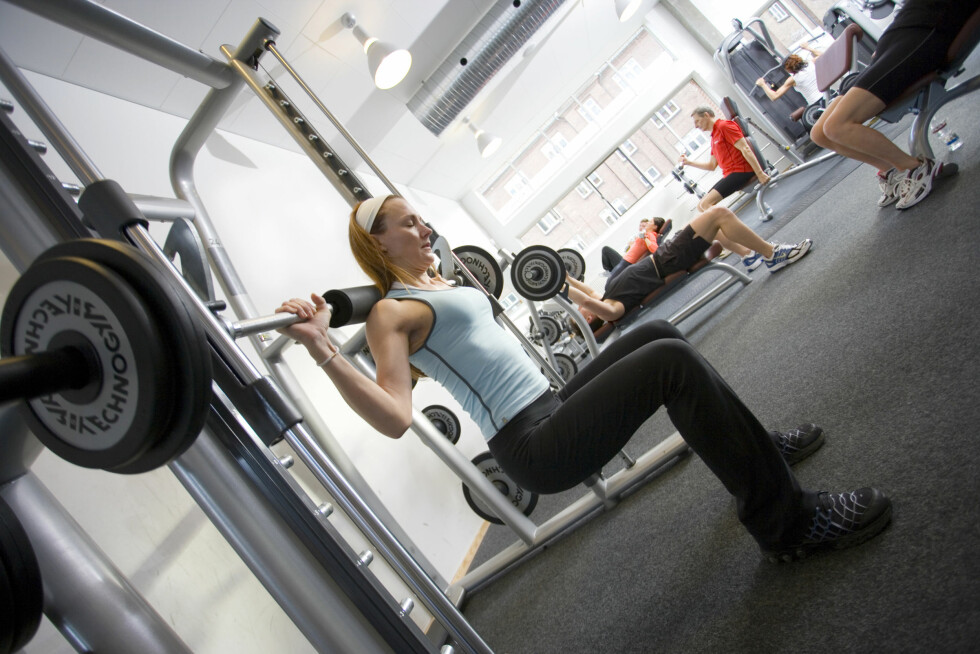 VARIER TRENINGEN: For å ikke overbelaste kroppen, er det viktig at du trener variert. Det vil si at du trener både styrke, kondisjon, balanse og koordinasjon.  Foto: Colourbox