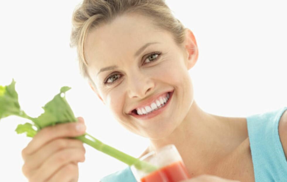 SUNT OG GODT: Selleri, som er en av ingrediensene i drinken Bloody Mary, er kalorifattig og proppfull av viktige næringsstoffer.  Foto: Thinkstock