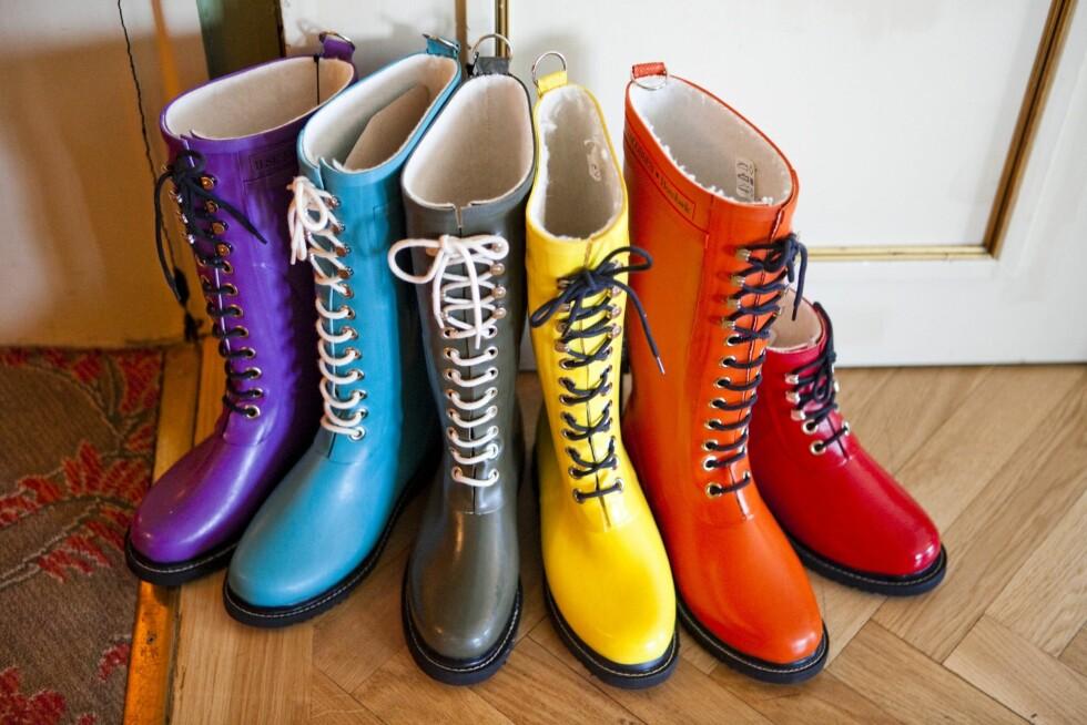 NOE FOR ENHVER SMAK: Ikke bare svart, krem og mokka - Ilse Jacobsens gummistøvler finnes også i knalle farger. Foto: Per Ervland