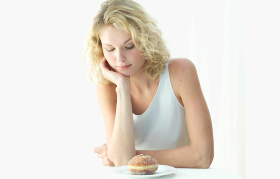 TENKER MER PÅ MAT: En ny studie utført av Atkins i Storbritannia viser at kvinner tenker mer på mat og slanking enn forholdet sitt.  Foto: Thinkstock