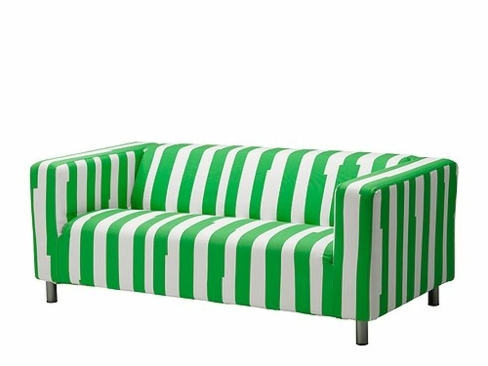 KLIPPAN: Oppdater sofaen med dette nye trekket i Klippan-serien med syrlige grønne striper (kr.550). Foto: Ikea.no
