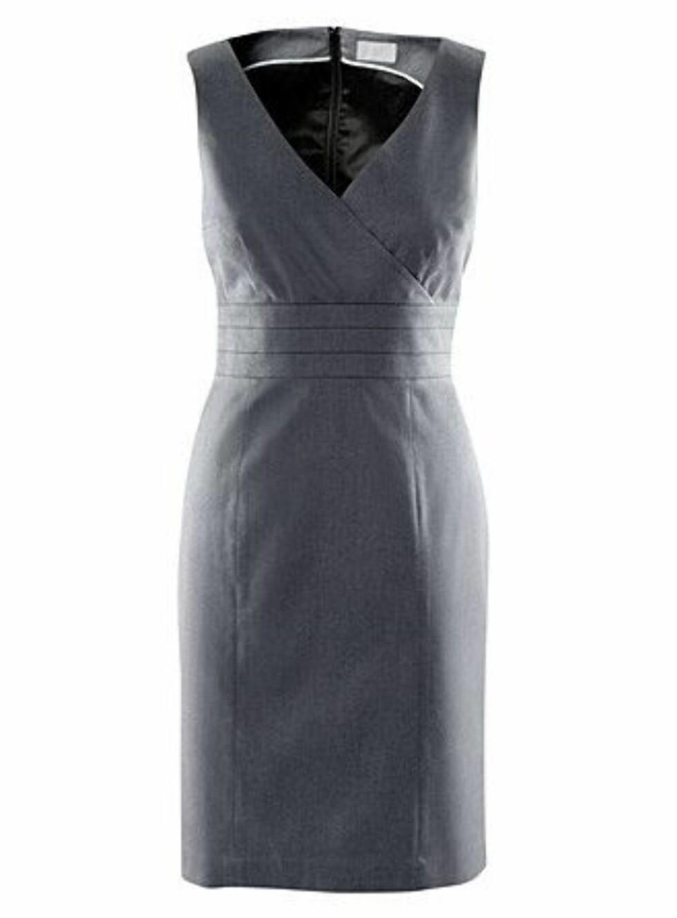 Figurnær kjole i strukturert stoff, fra H&M, kr 299. Foto: Produsenten
