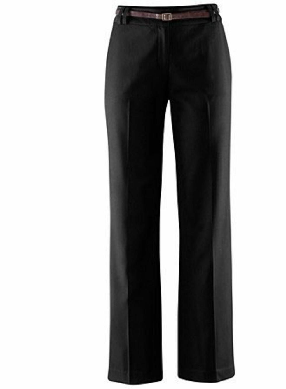 Lange, rette bukser i svart fra H&M, kr 299.  Foto: Produsenten