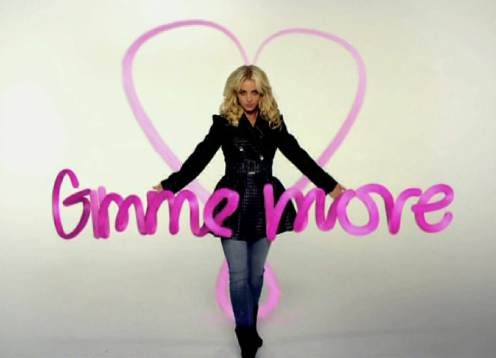 Ja, det gjenstår å se om vi får se mer av Britney som designer. Hun ser i alle fall ut til å ha lyst selv. Foto: All Over Press