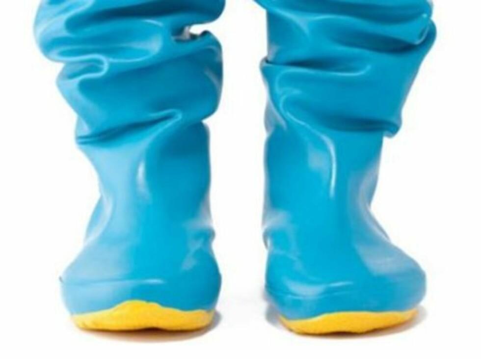 SAMMENBRETTBARE: Disse støvlene får faktisk plass i veska di, så er du alltid klar for øs pøsende regn.  Foto: Produsenten