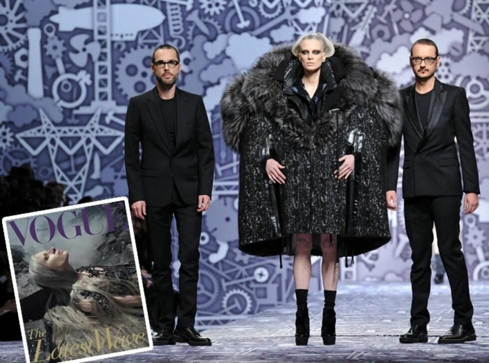 <strong>EVENTYRLIG:</strong> Kristen McMenamy deltok på Viktor & Rolf-showet i Paris i mars, også da med sølvgrått hår. Her sammen med designerene på catwalken.  Foto: All Over Press og faksimile