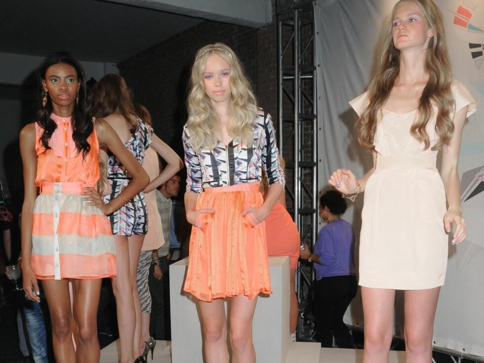 Spreke farger og korte skjørt og kjoler. Foto: All Over Press