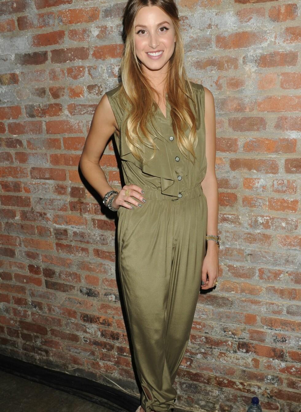 Whitney Port i dus militærgrønn buksedress på lanseringen av sin egen sommerkolleksjon under høstens New York Fashion Week. Foto: All Over Press