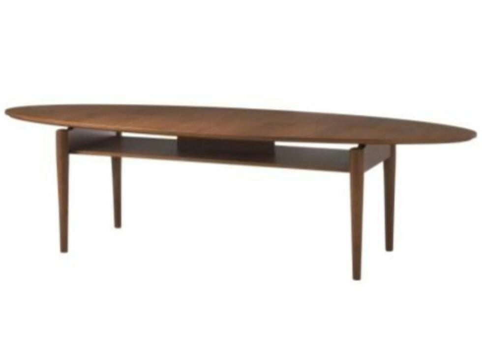 Helt i tidsånden! Dette bordet i finér er som tatt rett ut fra Mad Men! (kr 1795, Ikea).