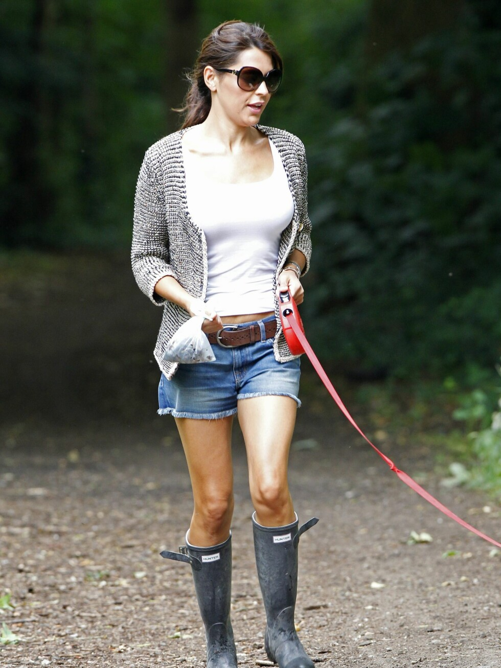 <strong>EXCLUSIVE:</strong> Whilst all the other WAGS return from their short visit to South Africa, Danielle Lineker, wife of ex-footballer and BBC presenter, Gary Lineker, dons a pair of wellingtons to take her labrador for a walk in the woods near her South London home.  Pictured: Danielle Lineker  Ref: SPL190758  290610   EXCLUSIVE Picture by: Andy Robinson / Splash News  Splash News and Pictures Los Angeles:310-821-2666 New York:212-619-2666 London:870-934-2666 photodesk@splashnews.com  *** Local Caption *** World Rights Foto: All Over Press