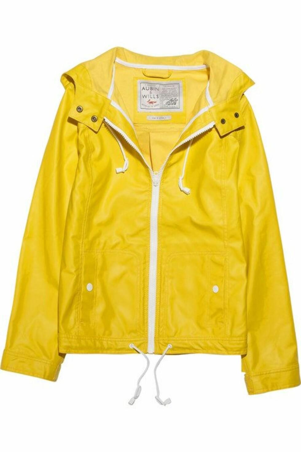 For deg som virkelig vil synes: Knallgul jakke i vannavstøtende bomull (ca kr 1770, Aubin & Wills/Net-a-porter.com).