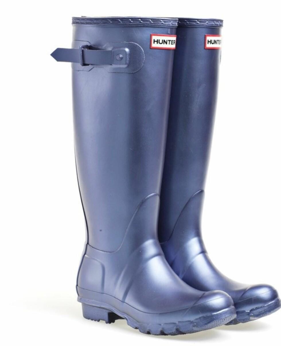 Hunter-støvler med metallisk look (kr 1295, Hunter/Eshoes).