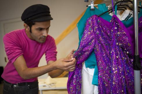 <strong>HÅNDSYDD:</strong> Hver paljett og hver perle på denne kjolen er sydd for hånd. Det tok 2,5 uke og 5 personer for å lage den, forteller designer Amar Faiz. Prislapp: 10.000 kroner.