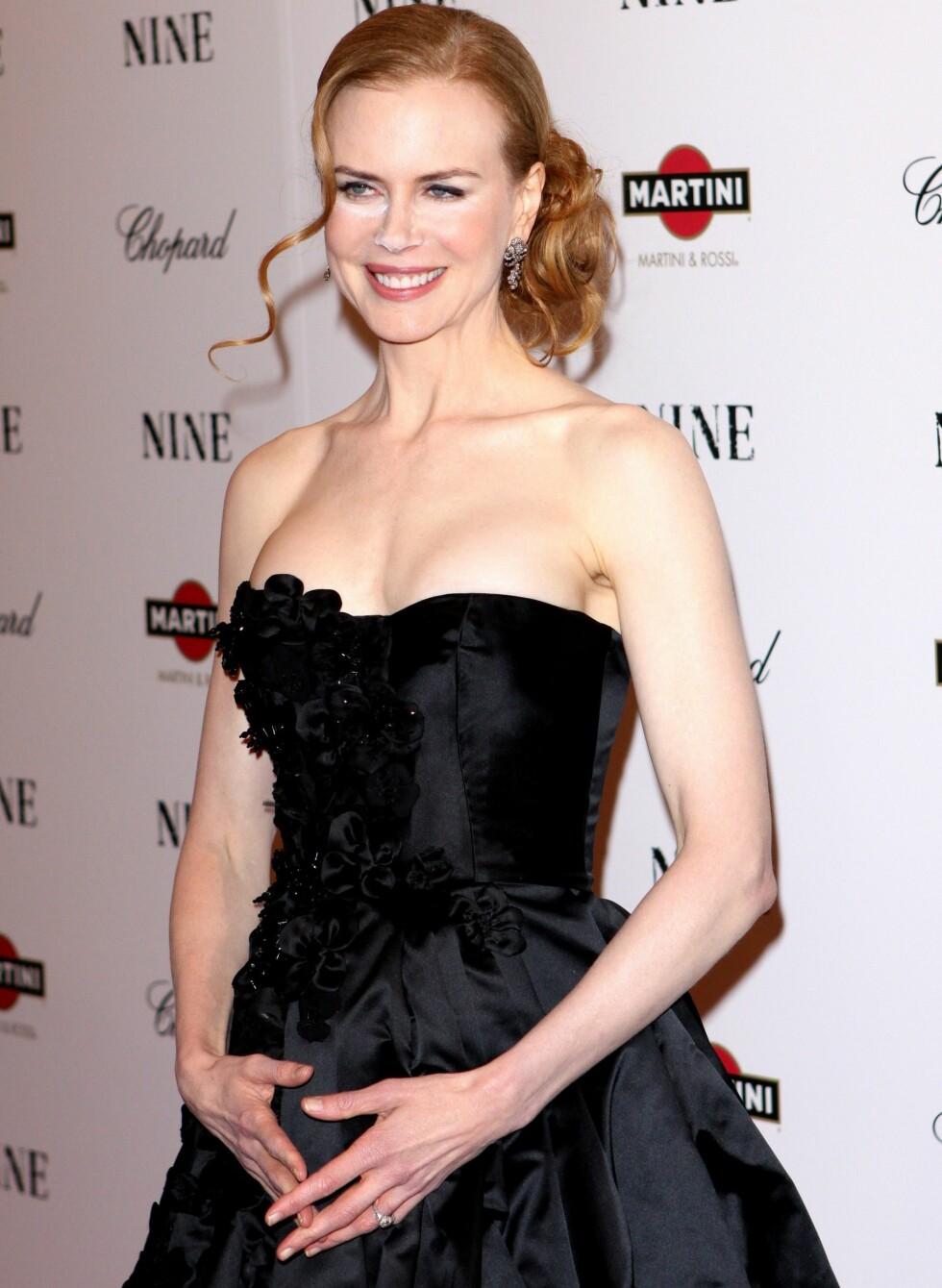 Nicole Kidman har bodd både i Australia og på Honolulu, men ser ut til å alltid ha hatt solkrem med høy faktor i veska. Den bleke huden har blitt hennes varemerke.   Foto: All Over Press