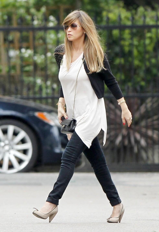 <strong>IKKE SLIK:</strong> Rachel Stevens er riktignok bare fire måneder på vei, men dette regnes likvel som for høye sko for gravide. Foto: All Over Press