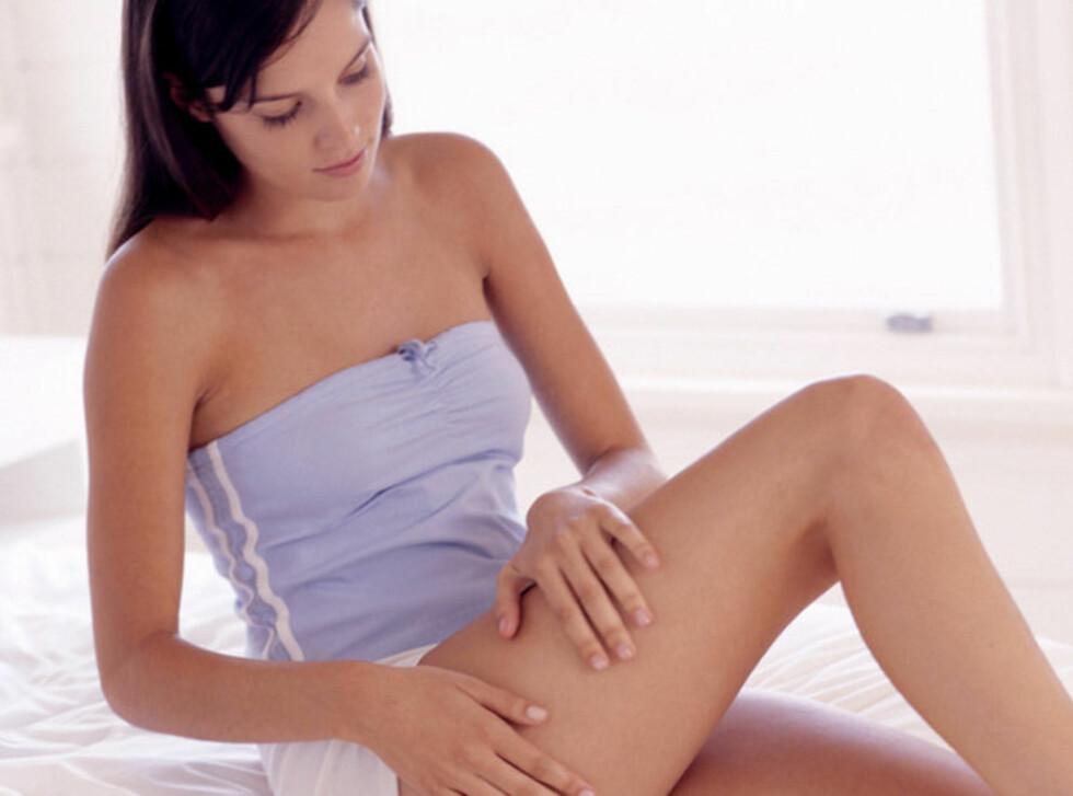 CELLULITTER: Ifølge kostholdsekspert Ina Garthe hjelper det ikke å bruke kremer, kosttilskudd, massasje eller cellulittbukser. Hennes råd er å trene jevnlig.  Foto: Pixland / Image Source