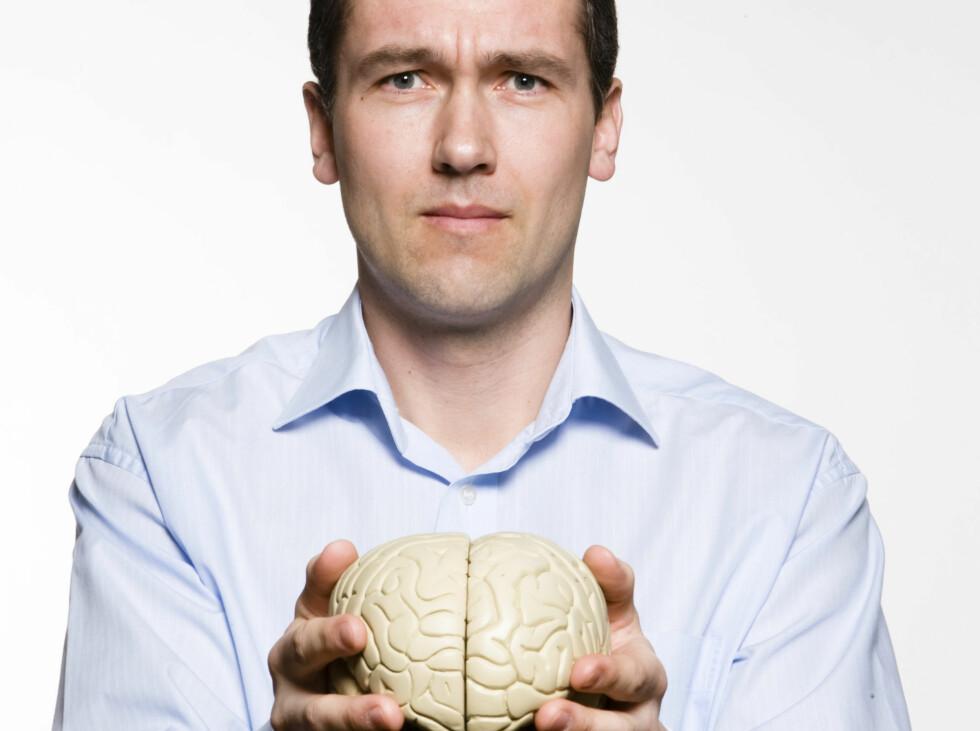 Det finnes empati i den mannlige hjernen når noen har et problem, men «fikse-området» tar fort over og «googler» hjernen for å finne en måte å løse problemet på. Foto: Colourbox