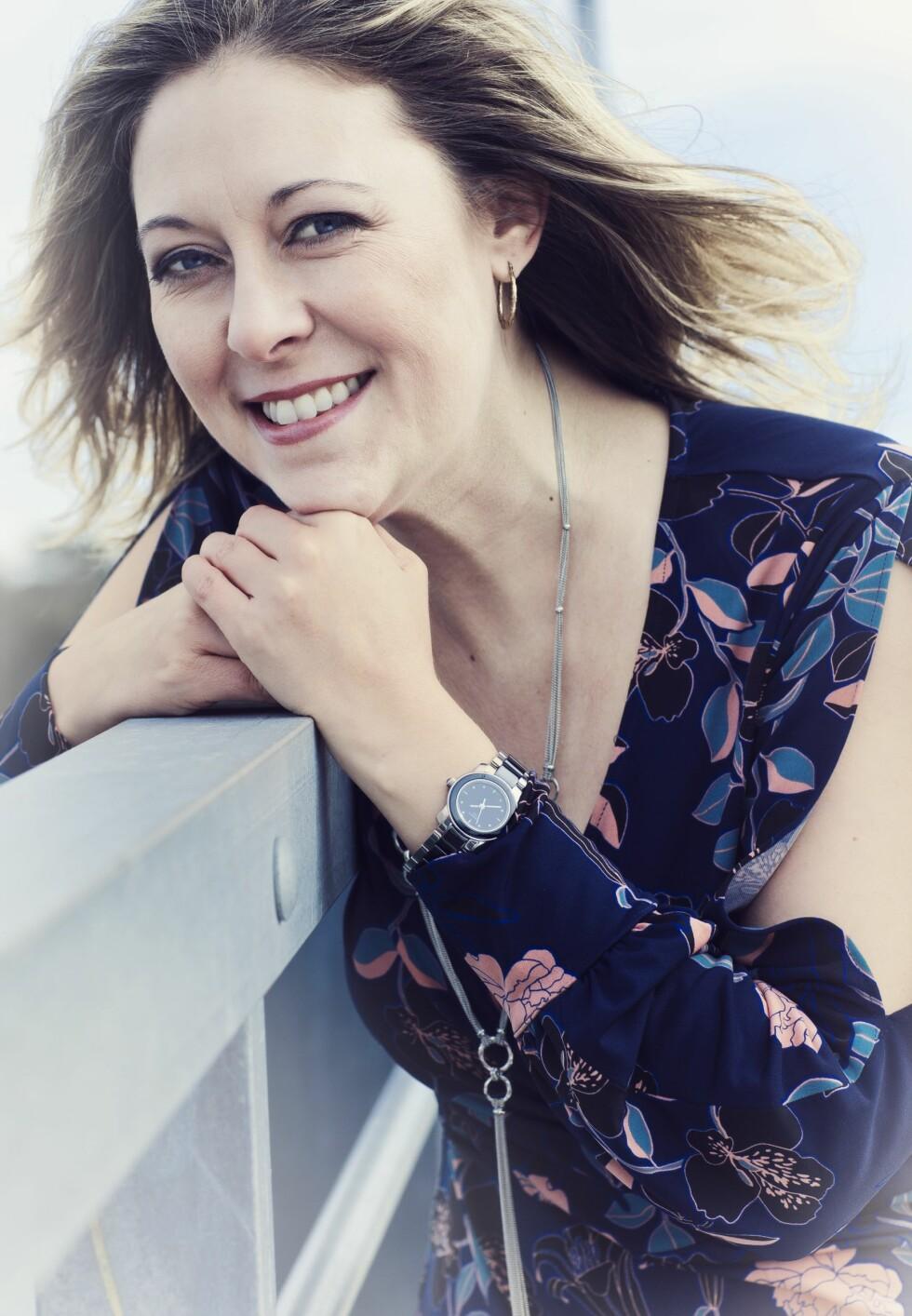 HVA ER EKTE?: Zoë Harris mener at hun ble litt desillusjonert etter at hun hadde vært på datingapper en stund ... Foto: Astrid Waller