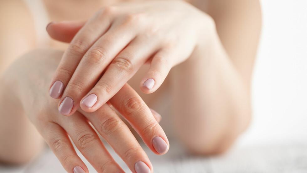 KNEKKING I LEDD: Knekker du leddene dine med vilje, eller har de vært i overkant knekkete og knirkete i det siste? Ekspertene forklarer hvorfor!  Foto: NTB scanpix