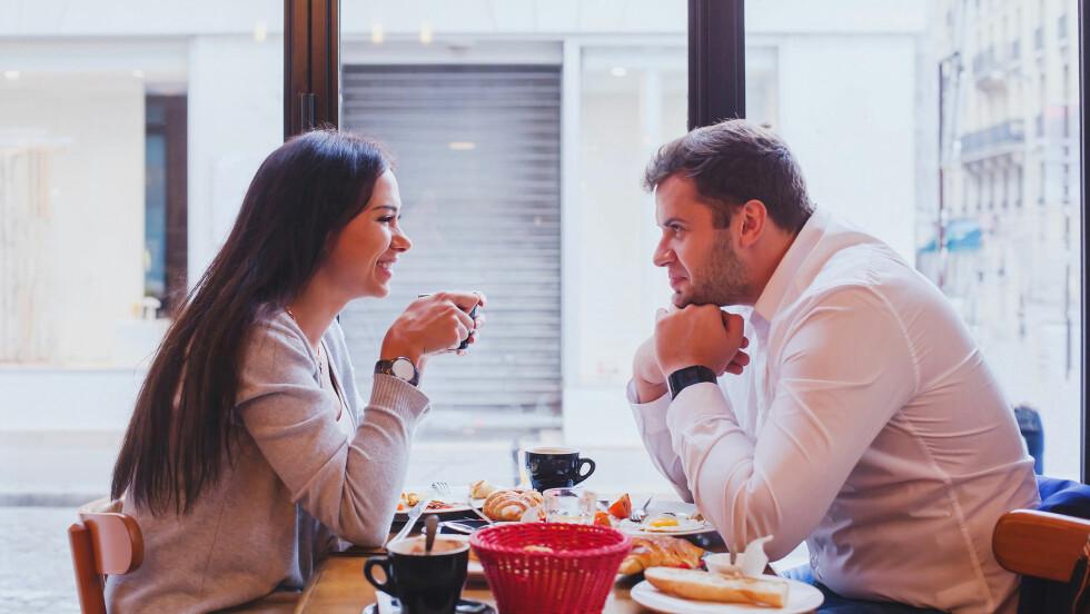 FØRSTE DATE: Den første daten kan være ganske klein. Heldigvis finnes det noen gode råd du kan ta med deg på daten.  Foto: Shutterstock / Ditty_about_summer