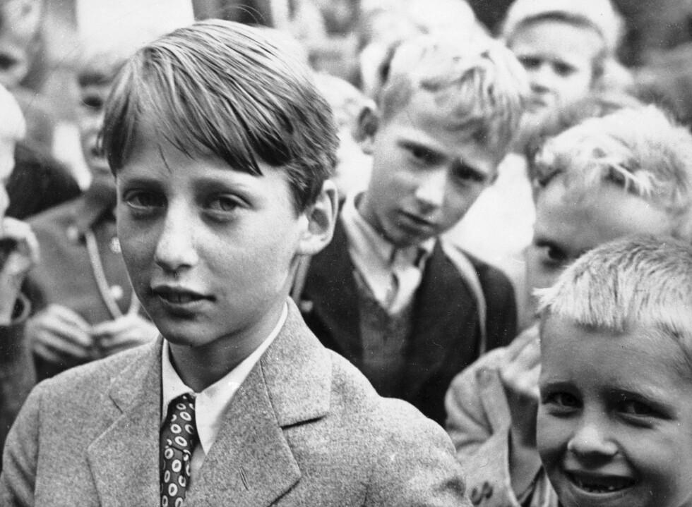 SKOLEGUTT: Prins Harald fotografert på slutten av 40-tallet. Foto:  Foto: NTB Scanpix