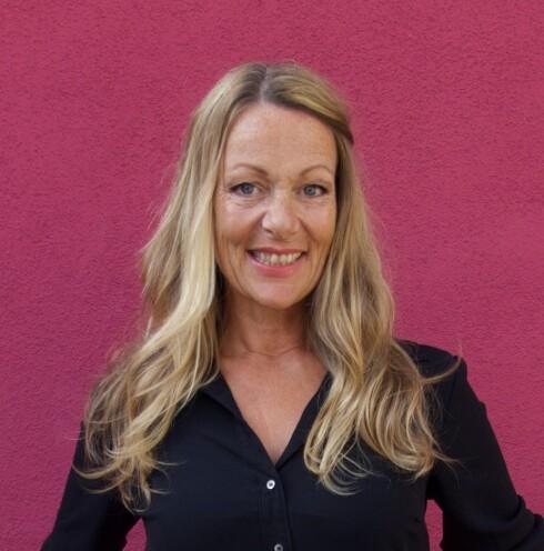 <strong>INN MED GRÅTT:</strong> Lise Holm-Glad er leder av Defines frisørteam.  Foto: Privat