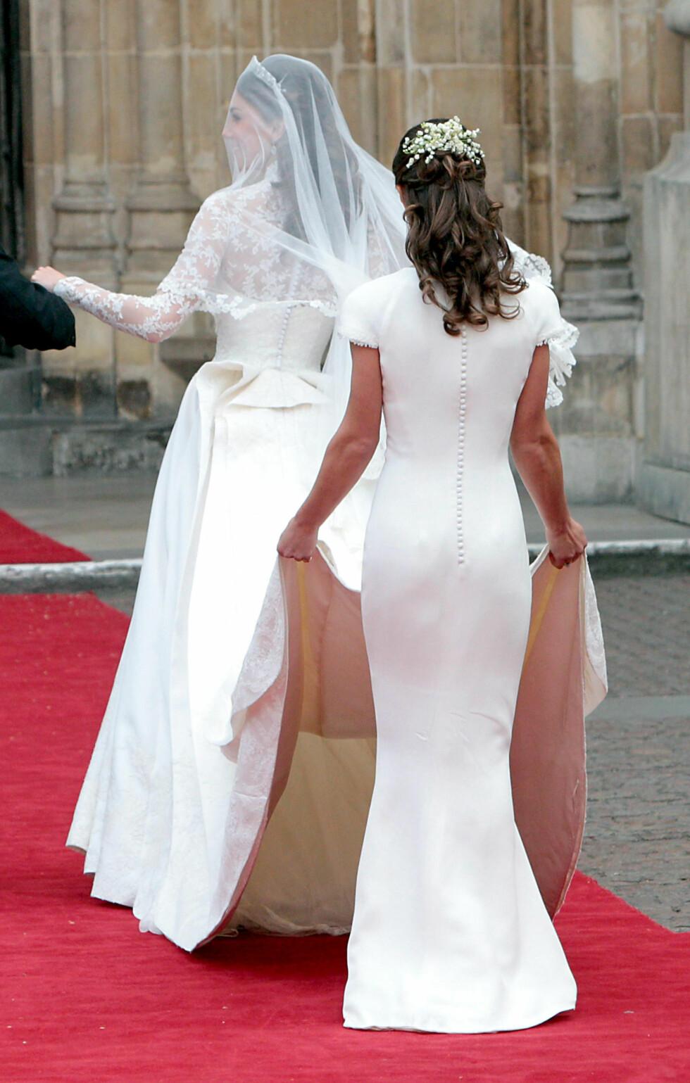 NÅR ENDEN ER GOD: Hertuginne Kates lillesøster Pippa Middleton fikk mye oppmerksomhet for sin smekre bekledning da hun fulgte søsteren sin opp altergangen i Westminster Abbey 29. april 2011. Pippa skal for øvrig selv gifte seg i mai i år. Foto:  NTB Scanpix