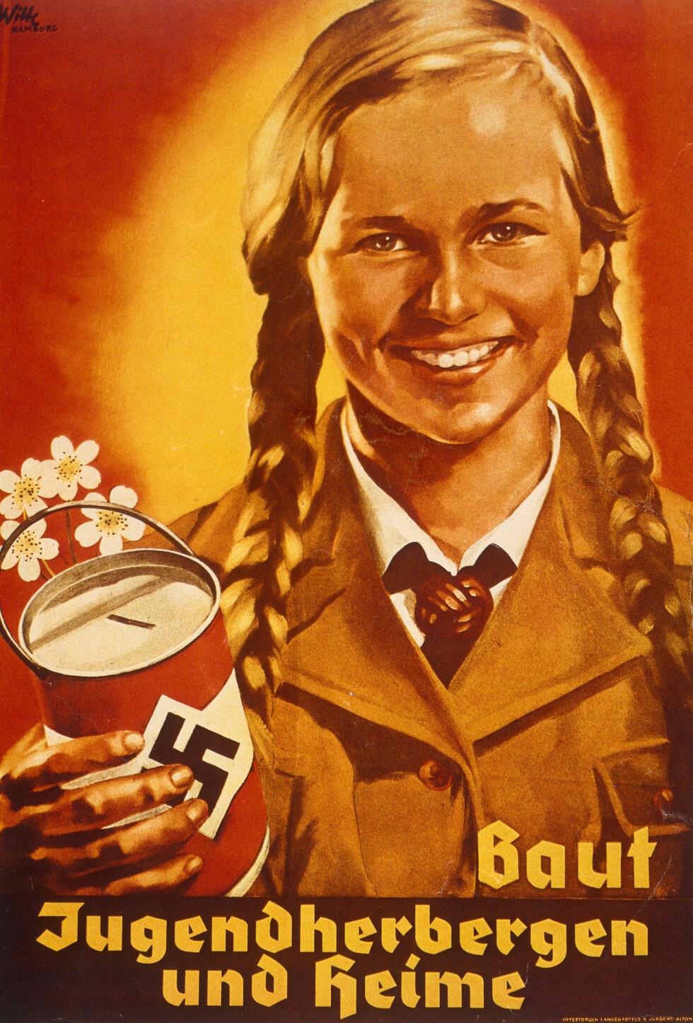 DET ARISKE PIKEBARN: Denne propagandaplakaten viser hvordan nazistene ønsket at barna skulle være. Pikebarna ble oppfostret til å tro at deres plass var i hjemme - og deres jobb var å føde så mange ariske barn som mulig. Foto: NTB Scanpix