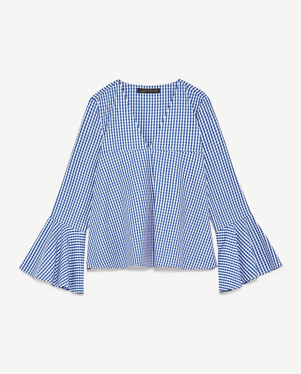 <strong>Topp fra Zara | kr 349 | https:</strong>//www.zara.com/no/no/dame/skjorter/se-alle/topp-med-ginghamruter-og-utsvingte-ermer-c719021p4357520.html