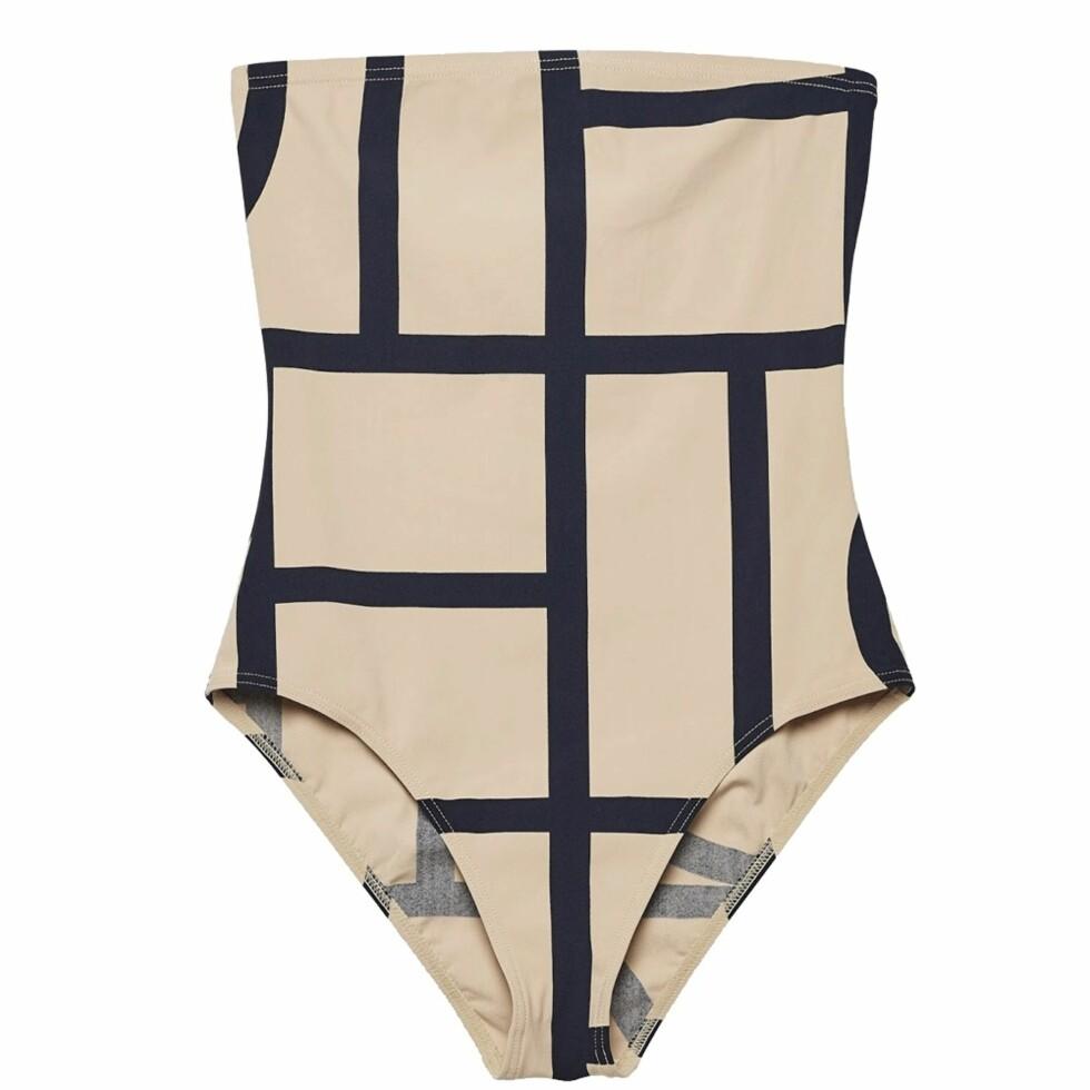 Badedrakt fra Toteme | kr 1040 | http://www.toteme-nyc.com/shop/main/roses-swimsuit?color=monogram-print