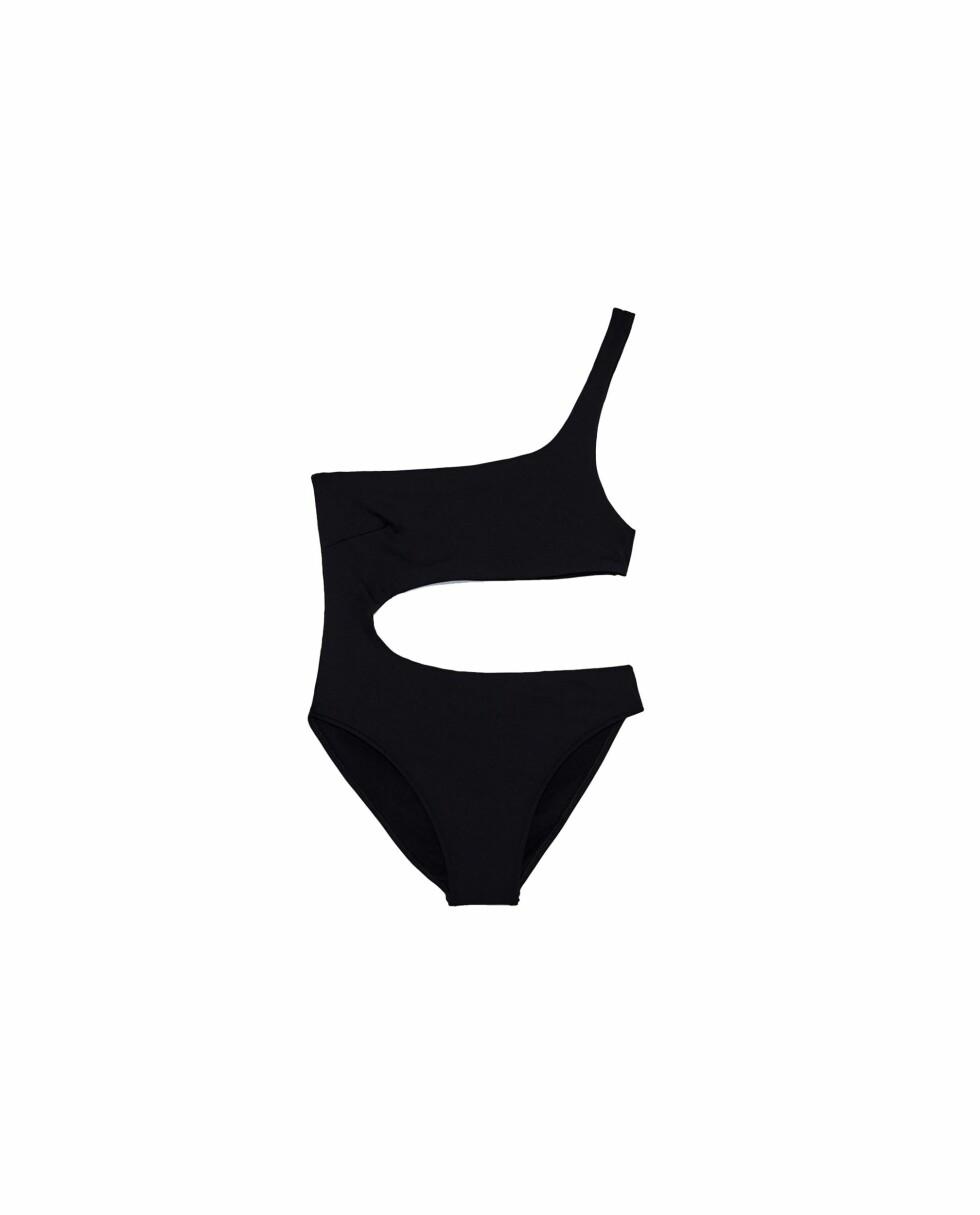 Badedrakt fra Zara | kr 249 | https://www.zara.com/no/no/dame/swimwear-collection/asymmetrisk-badedrakt-c398505p4475558.html