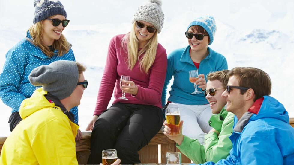 ALKOHOLFORBRENNING: Ja, vi skal kose oss ekstra i påsken, men hvor mye aktivitet må egentlig til for å forbrenne alkoholen?  Foto: Shutterstock / Monkey Business Images