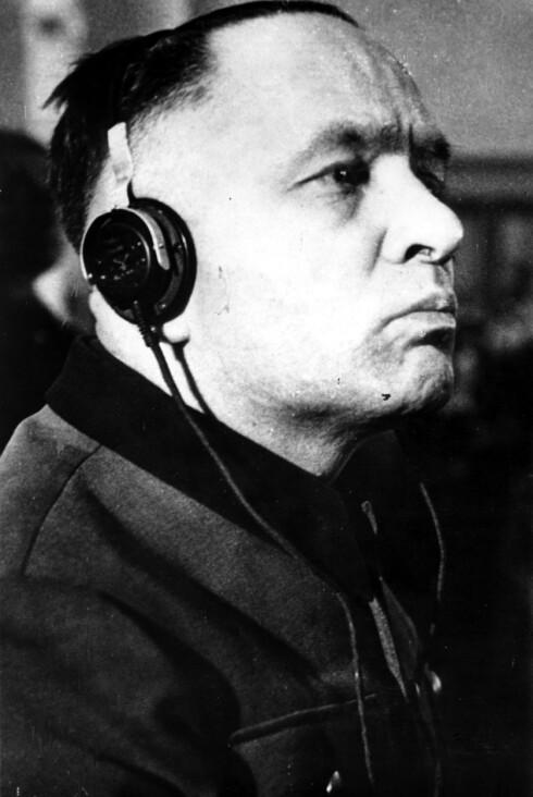 KONSENTRERT: Rudolf Höss fotografert under rettshøringen i Polen i 24. mars 1947 - 23 dager senere ble han hengt i Auschwitz for sine ugjerninger. Foto:  Foto: NTB Scanpix