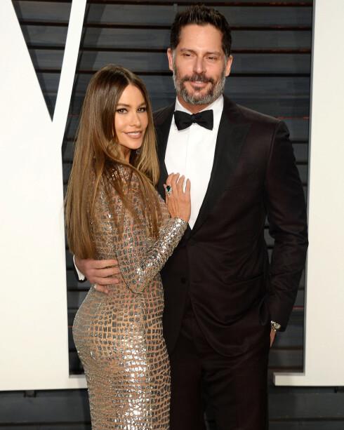 HOLLYWOOD-PAR: Sofia Vergara og Joe Manganiello er et av våre favoritt-kjendisektepar! Her fra Vanity Fair-festen i forbindelse med Oscar-utdelingen i Los Angeles i februar. Foto:  NTB scanpix