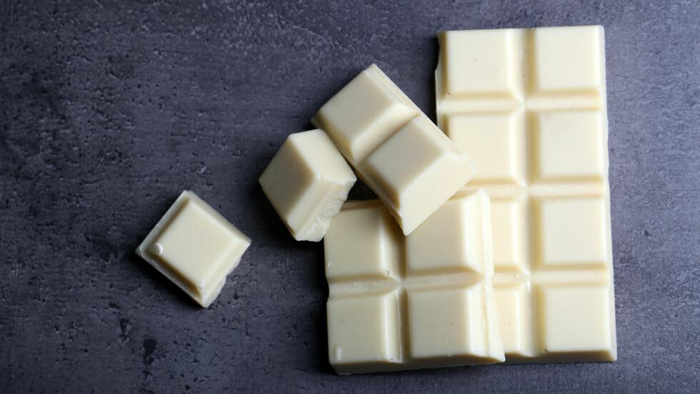 SJOKOLADE: Ifølge sjokoladeeksperten kan man egentlig ikke kalle hvit sjokolade for sjokolade. Foto: Shutterstock / Africa Studio