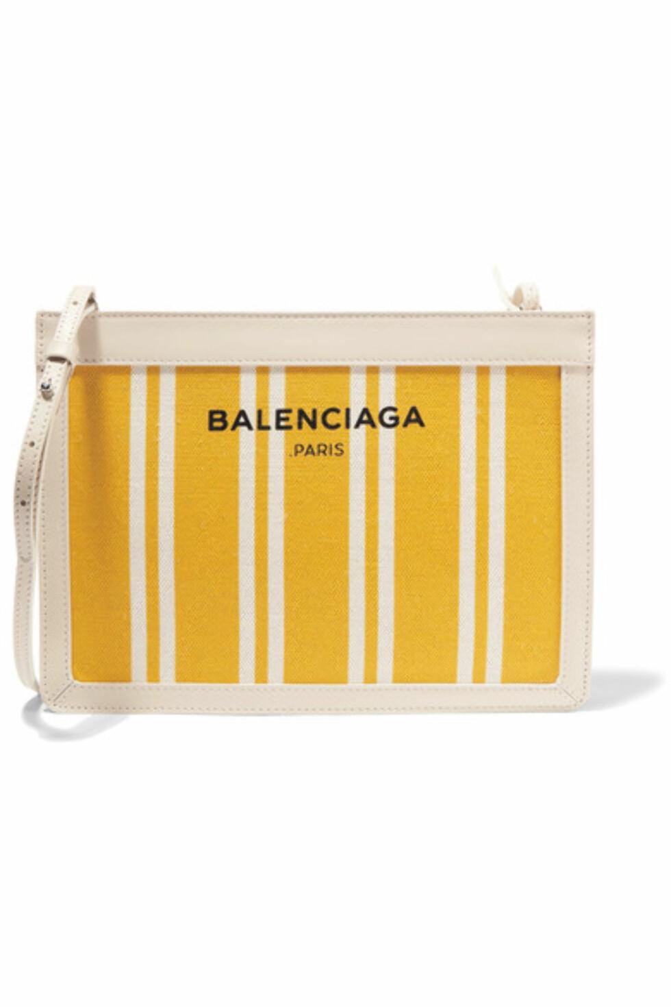Veske fra Balenciaga via Net-a-porter.com | kr 6280 | http://apprl.com/en/pd/4Krr/