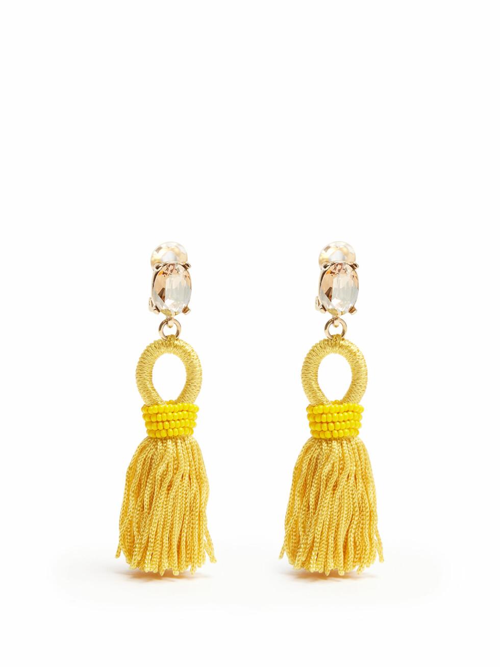 Øredobber fra Oscar de la Renta via Matchesfashion.com | kr 2915 | http://www.matchesfashion.com/intl/products/Oscar-De-La-Renta-Short-tassel-drop-clip-on-earrings--1078367