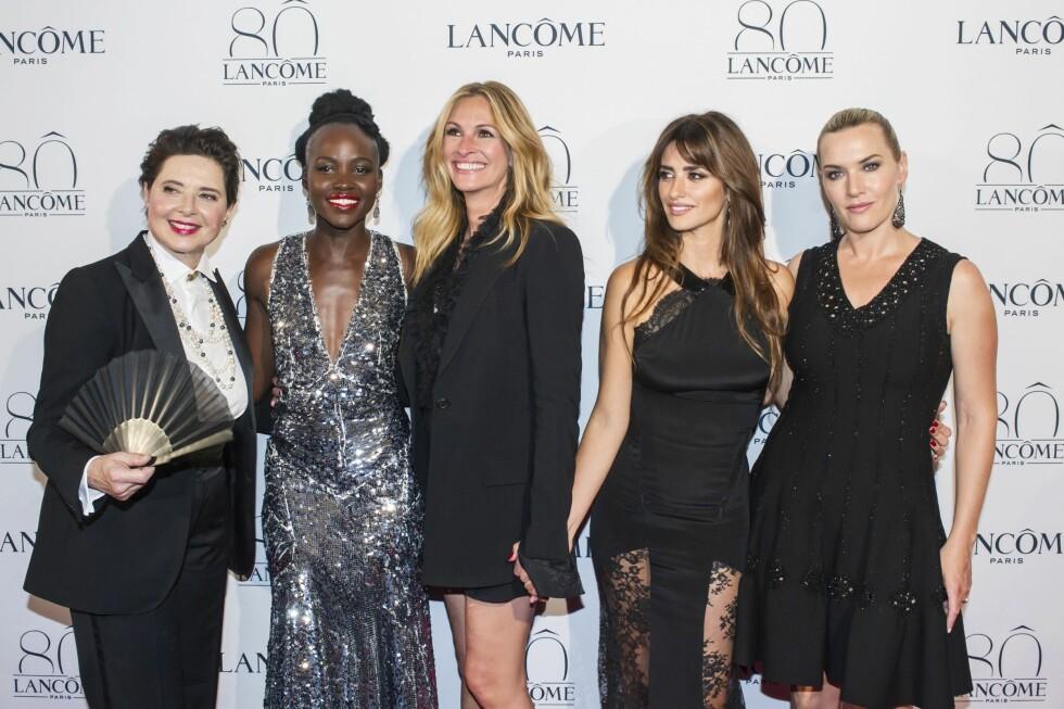 JUBILEUM: DA Lancôme feiret sin 80-årsdag  samlet de sine ikoniske «ansikter» på ett brett: Isabella Rossellini, Lupita Nyong'o, Julia Roberts, Penelope Cruz, and Kate Winslet.  Foto: NTB scanpix
