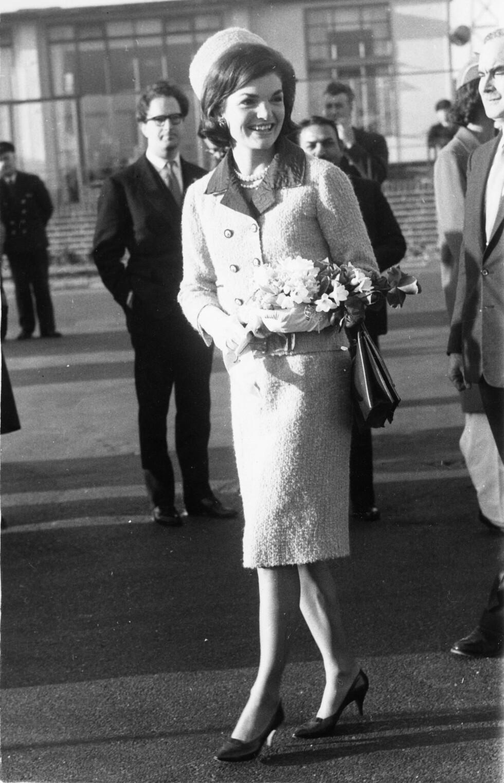 1962: Drakter som denne så vi ofte Jakie Kennedy Onassis i. Foto: Zuma press