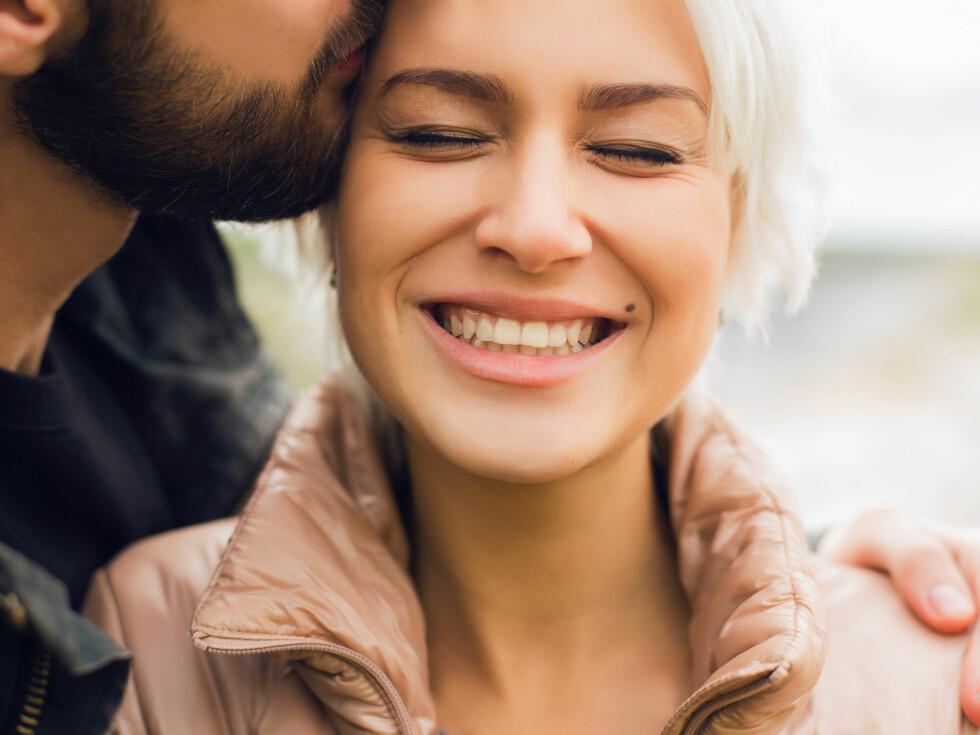 TOÅRSREGEL: Forelskelsen varer ikke for evig, derfor bør man ofte ha vært sammen i rundt to år før man tar steget inn i familieforøkelse eller giftermål. Foto: Shutterstock / photoagent