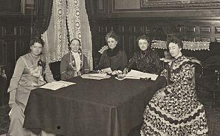 Dette er damene som kjempet fram kvinners stemmerett
