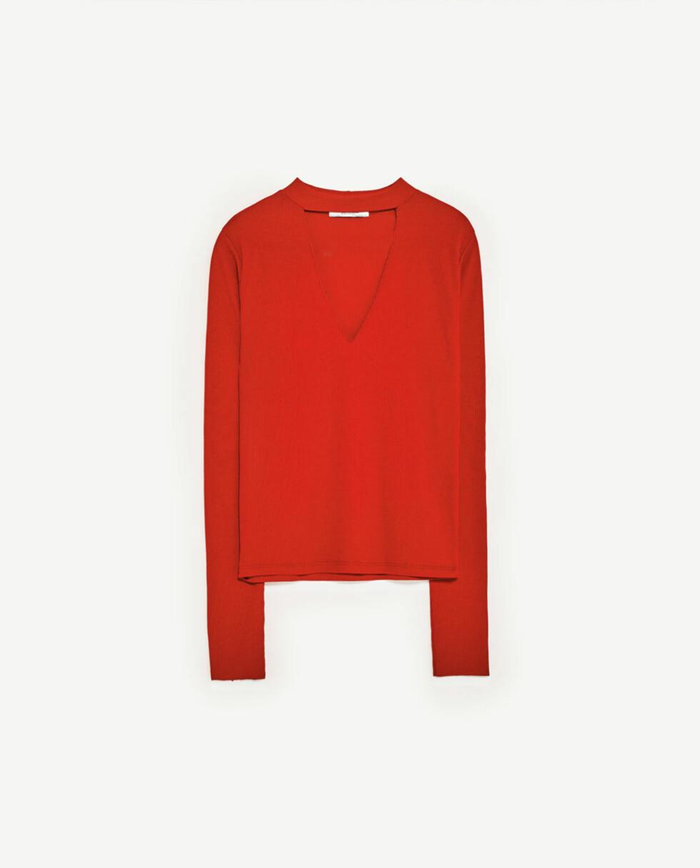<strong>Genser fra Zara | kr 79 | http:</strong>//www.zara.com/no/no/dame/t-skjorter/se-alle/ribbestrikket-t-skjorte-med-choker-c719014p4322009.html