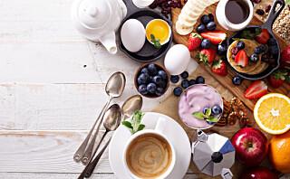 - Vi støtter oss til forskningen som viser at forbrenningen nedreguleres når kroppen går for lenge uten mat