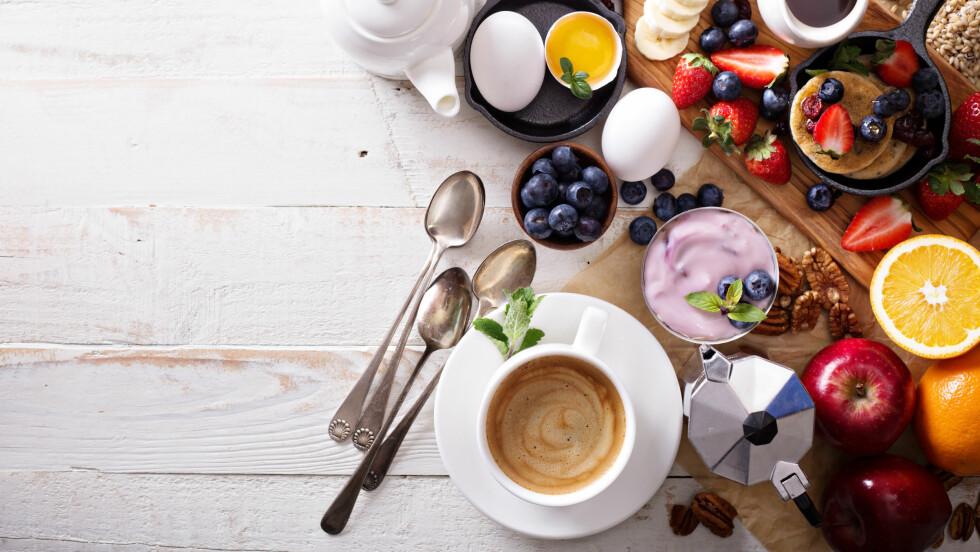 FROKOST: Kan frokosten være med på å kickstarte forbrenningen vår? Og hva bør vi egentlig spise til frokost?  Foto: Shutterstock / Elena Veselova