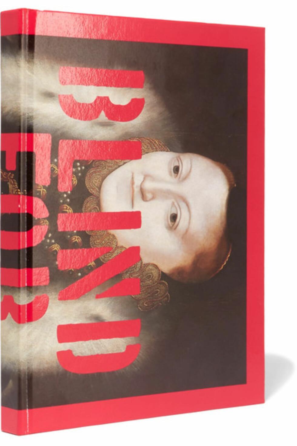 <strong>Gucci:</strong> Blind for Love av Nick Waplington via Net-a-porter.com | kr 539 | https://www.net-a-porter.com/no/en/product/884280/assouline/gucci--blind-for-love-by-nick-waplington-hardcover-book