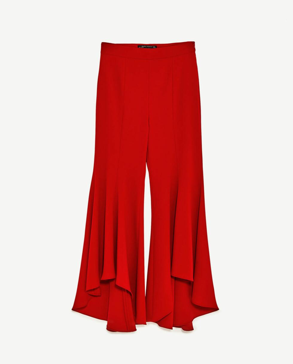 <strong>Bukse fra Zara | kr 559 | http:</strong>//www.zara.com/no/no/dame/bukser/se-alle/utsvingt-asymmetrisk-bukse-c719022p4367036.html