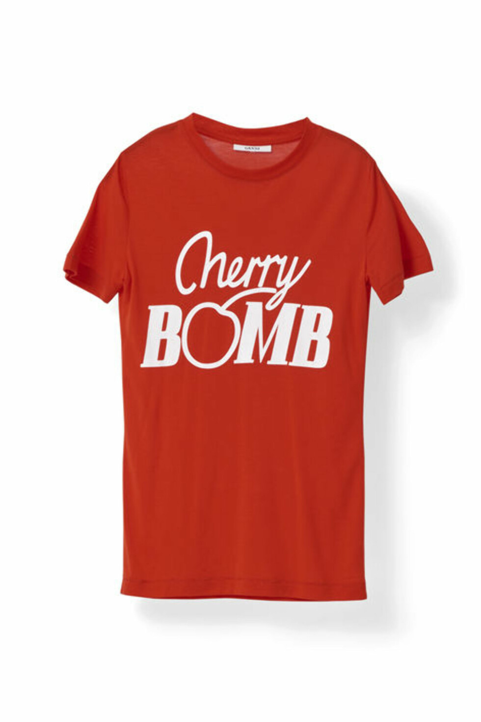 <strong>T-skjorte fra Ganni | kr 799 | http:</strong>//www.ganni.com/shop/tops-and-t-shirts/linfield-lyocell-t-shirt%2C-cherry-bomb/T1766.html?dwvar_T1766_color=Fiery%20Red