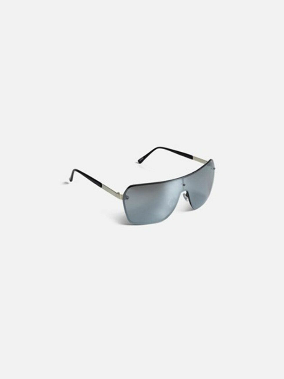 Solbriller fra Bik Bok   kr 129   https://bikbok.com/no/7194434_F990