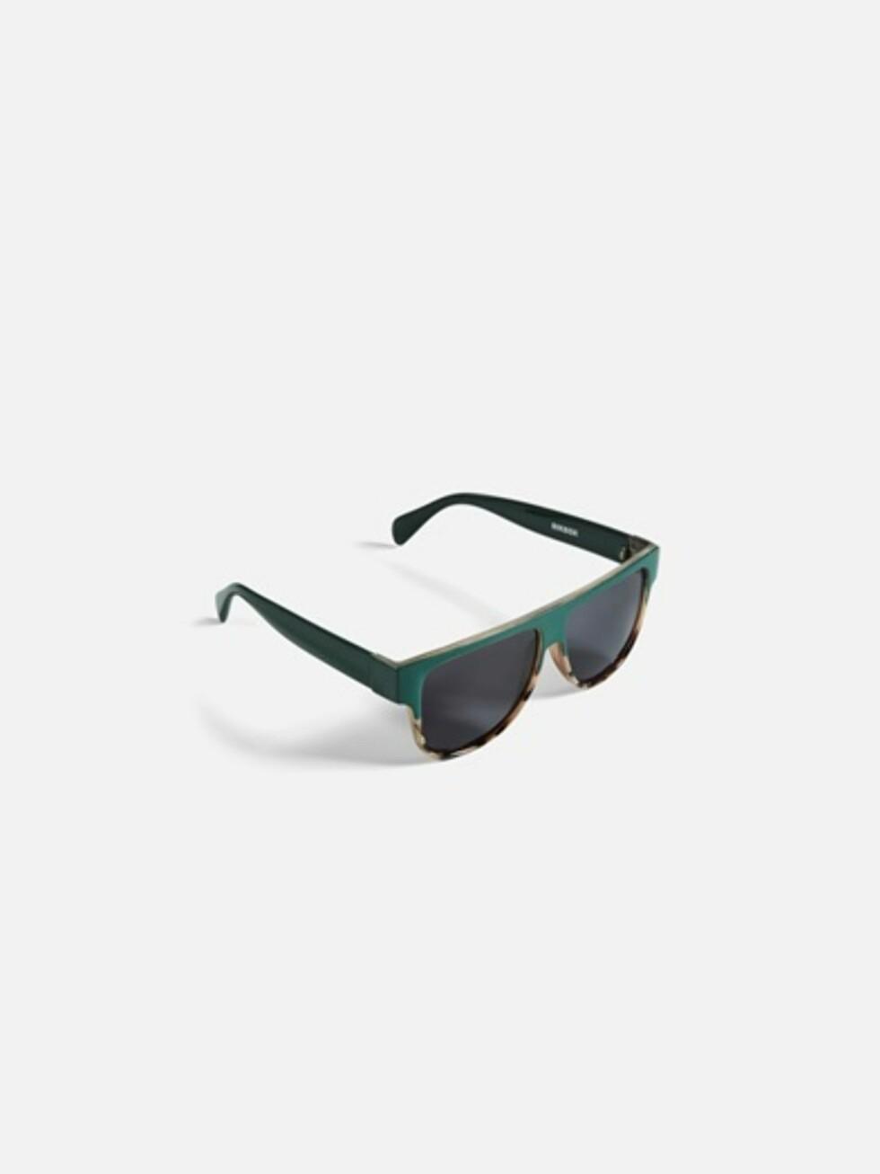 Solbriller fra Bik Bok   kr 99   https://bikbok.com/no/7194409_F780