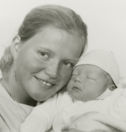 FØRSTEFØDTE: Aleksander var Ann-Peggys førstefødte, men dessverre fikk han et kort og vanskelig liv. Foto: Privat.
